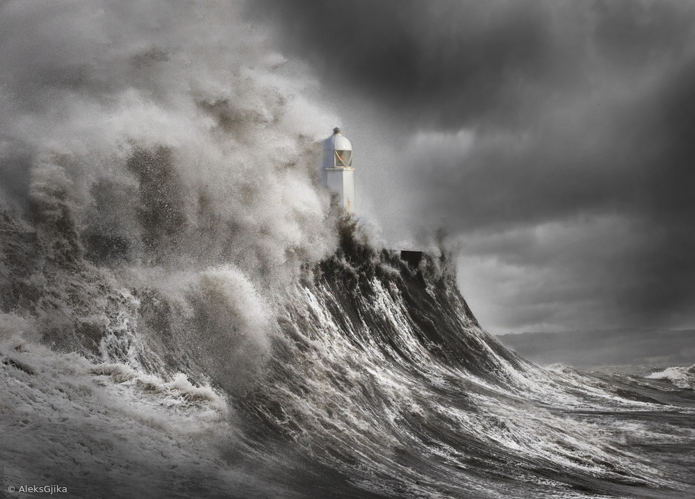 Drama at the lighthouse