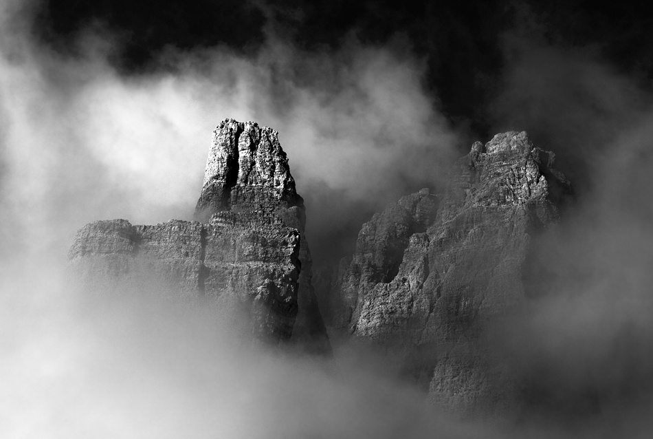 A piece of fine art art photography titled Between Heaven and Earth by Ralf Greiner