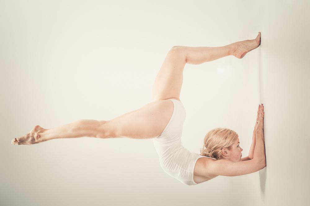 Dancer vs. Gravity