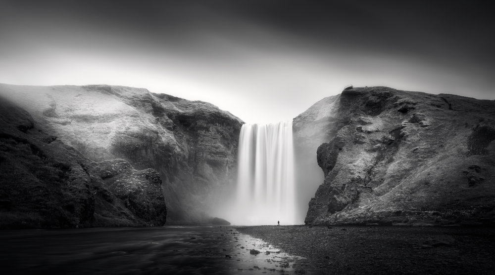 A piece of fine art art photography titled Power and Humility by Stefan Mitterwallner