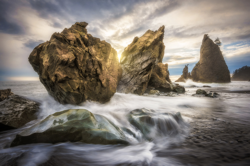 A piece of fine art art photography titled Monuments by James Xiang