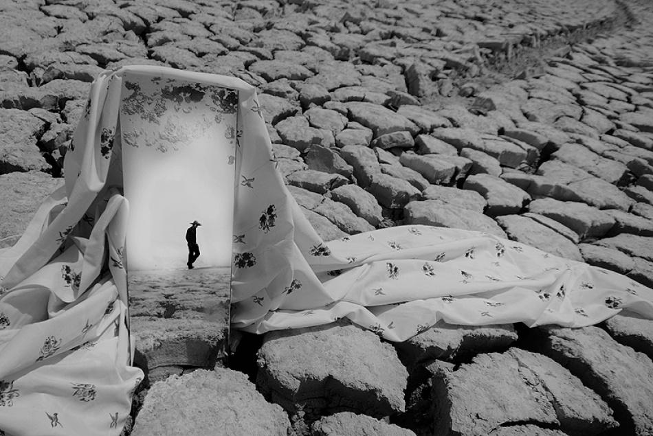 A piece of fine art art photography titled Untitled by Reza Milani