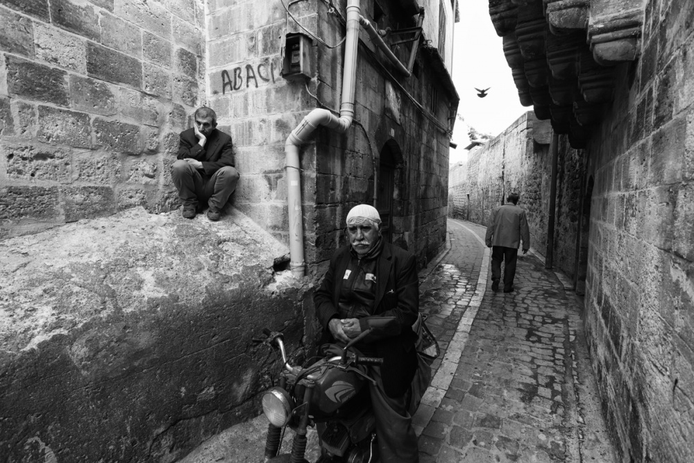 A piece of fine art art photography titled Street Life by Sahin AVCI