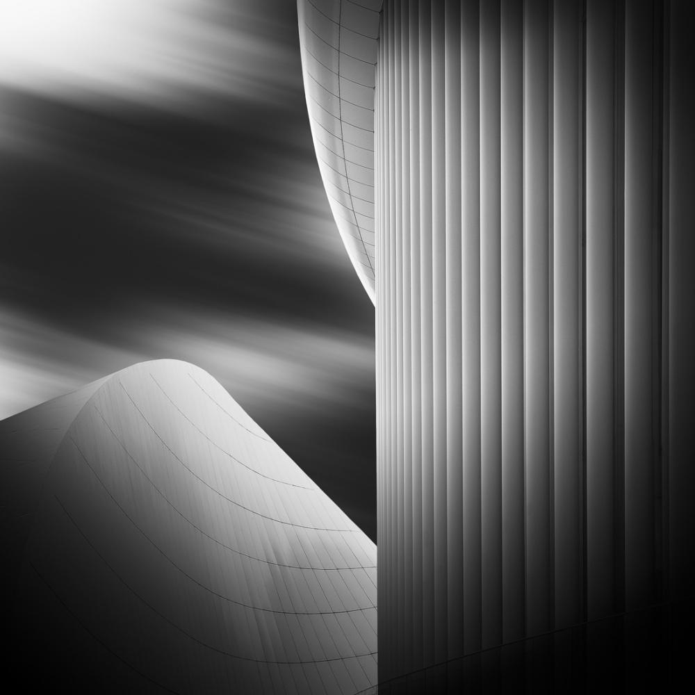 A piece of fine art art photography titled Windy City | 7725 by hiacynta jelen