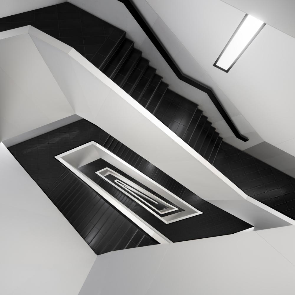 A piece of fine art art photography titled Fade to White by Mathijs van den Bosch