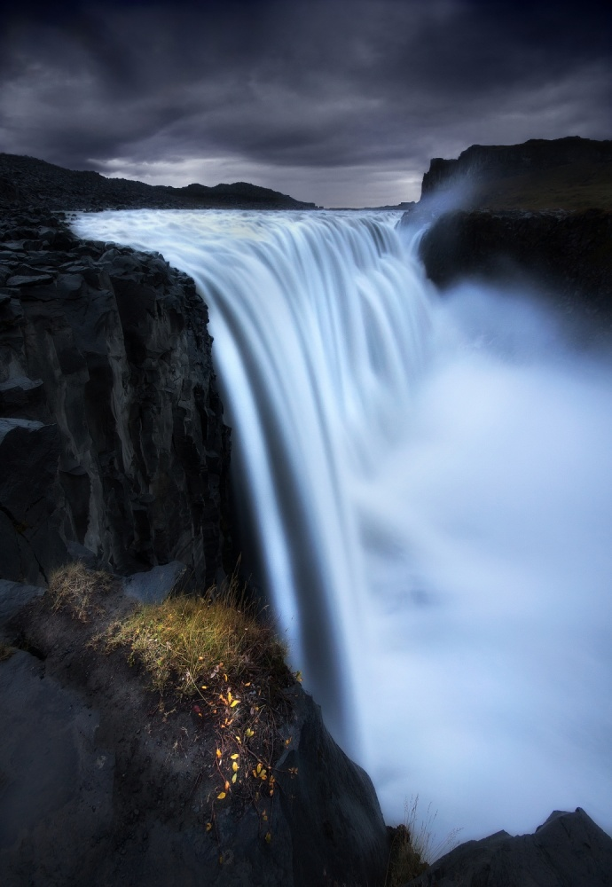 A piece of fine art art photography titled Resistance by José Ramos