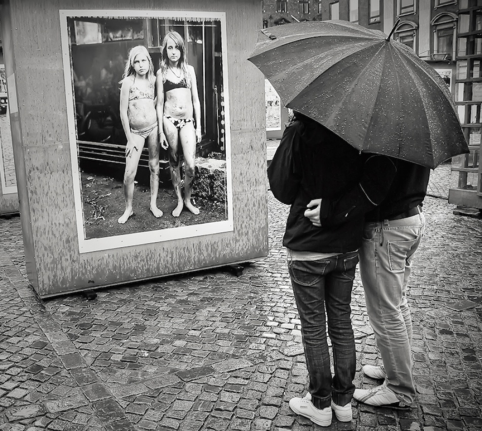 A piece of fine art art photography titled Look by Soeren Friberg