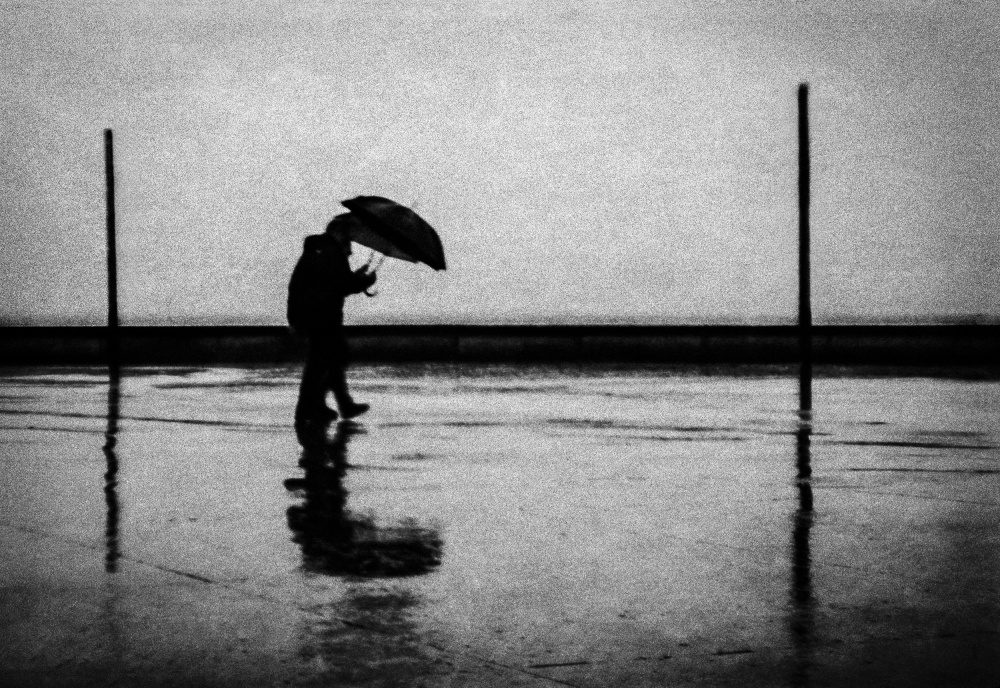 A piece of fine art art photography titled Rainy Day In the City 02 by Jørgen Feldstedt