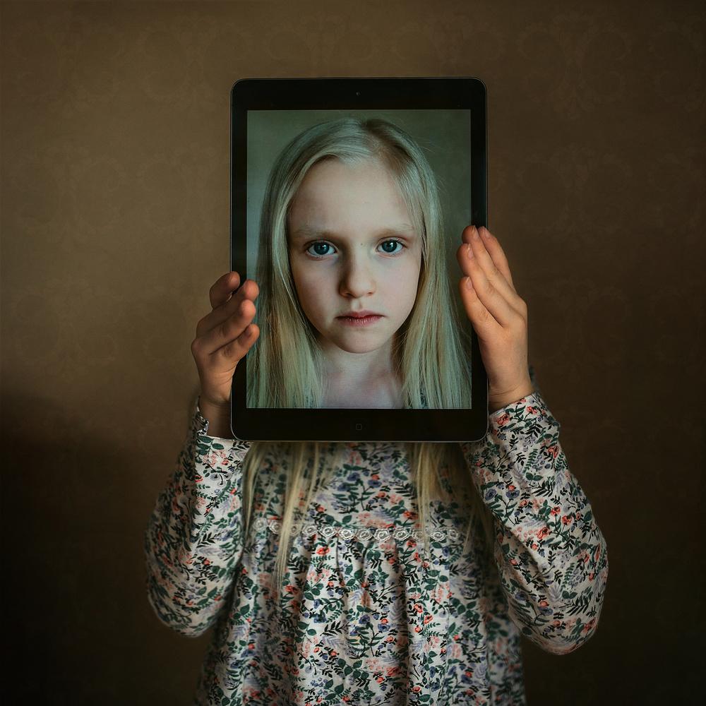 A piece of fine art art photography titled Retina Childhood by Greta Do