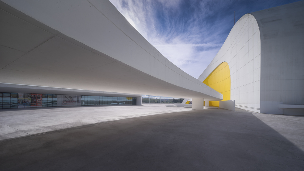 View this piece of fine art photography titled Niemeyer by Oskar Baglietto