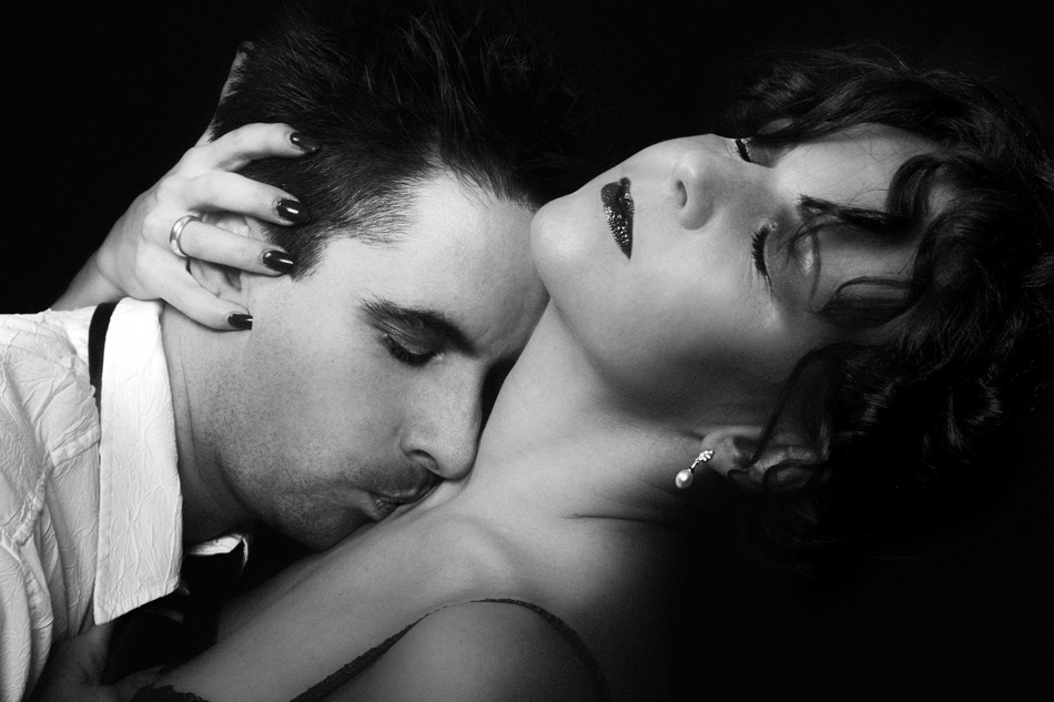 A piece of fine art art photography titled Lovers by Angéla Vicedomini