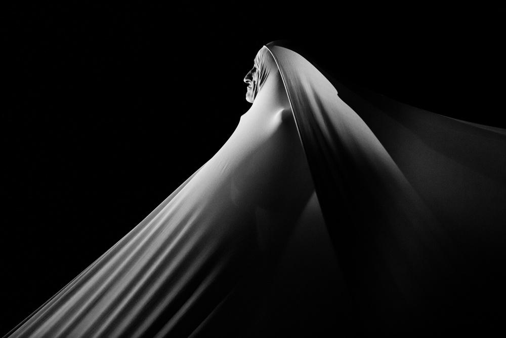 A piece of fine art art photography titled Fratto_x by Luca Ferdinandi