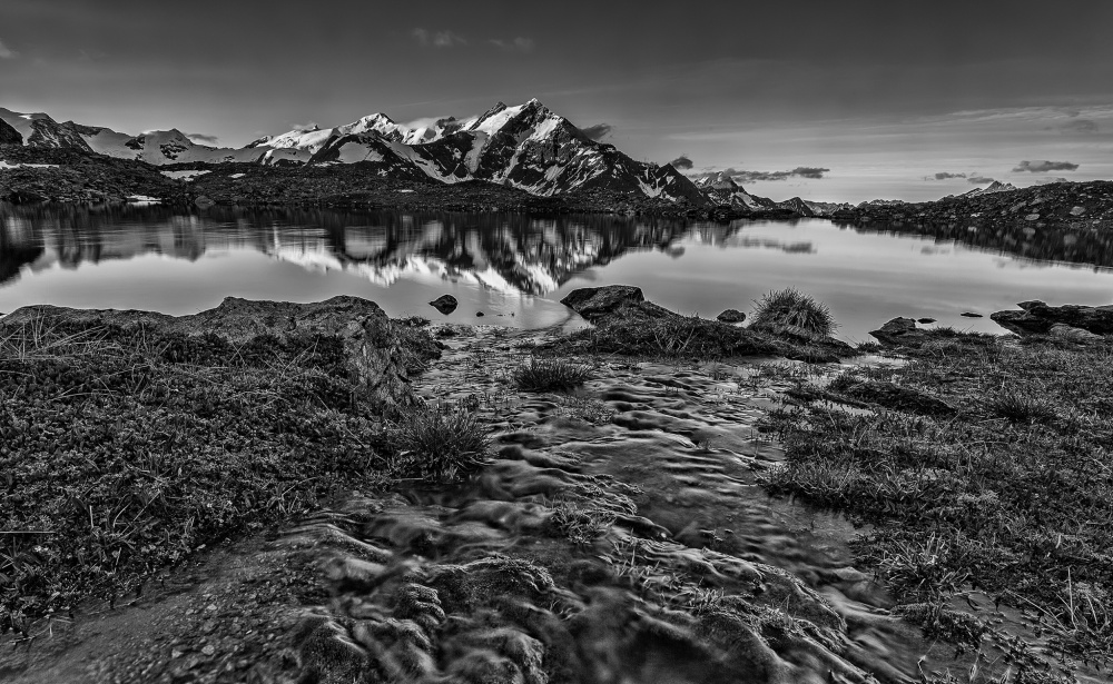 A piece of fine art art photography titled Tempus Fugit by Alfredo Costanzo