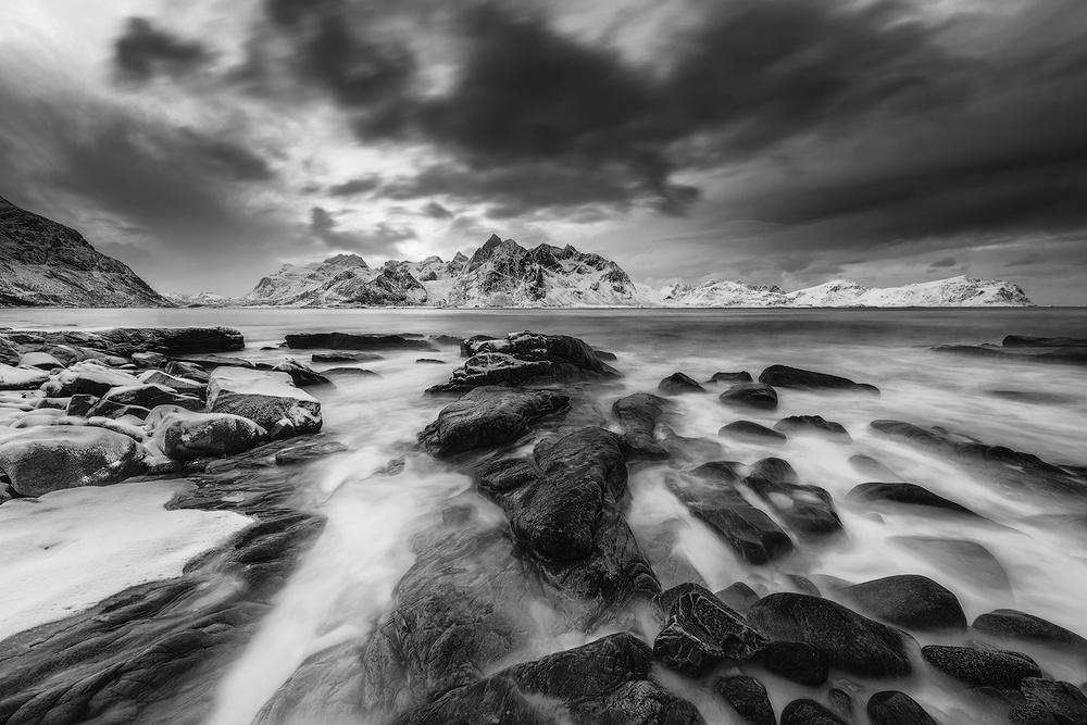 A piece of fine art art photography titled Lofoten Flow by Reto Savoca
