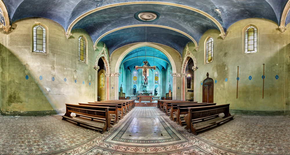 A piece of fine art art photography titled Chiesa B by Andreas Paehge