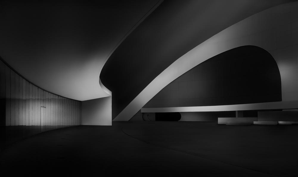 A piece of fine art art photography titled Niemeyer by Fran Osuna