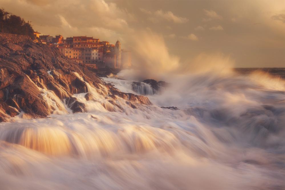 A piece of fine art art photography titled Waterquake by Leonardo Papèra