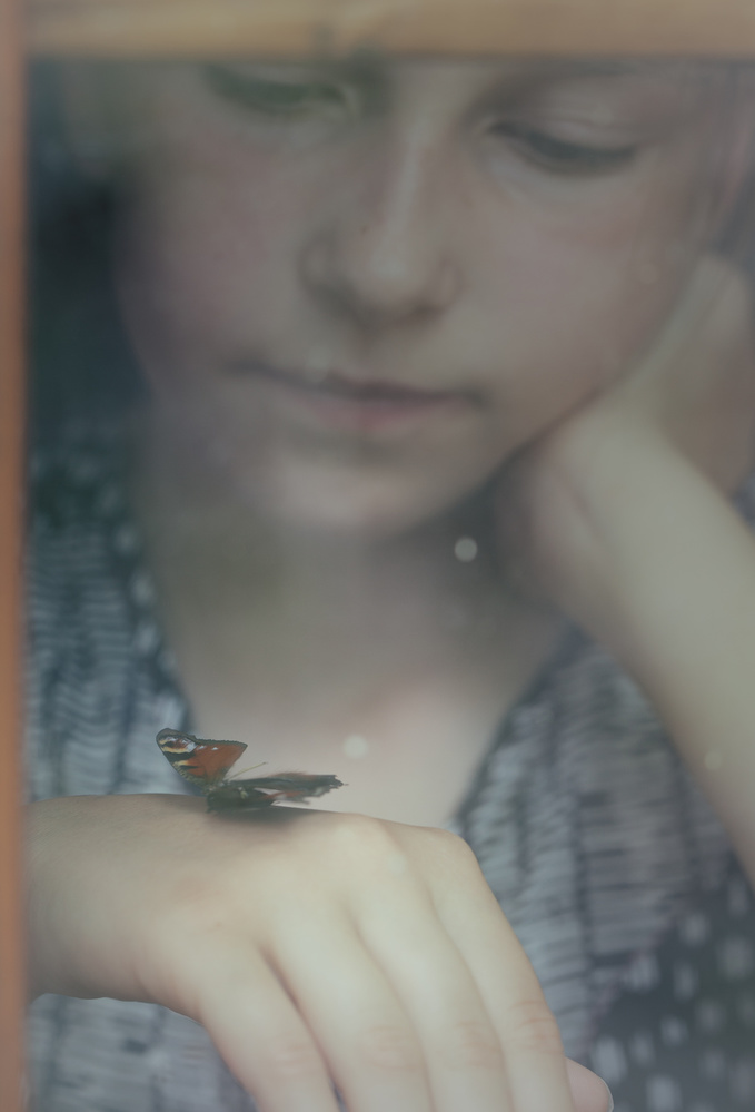 A piece of fine art art photography titled I Wish I Could Fly Away by Mirjam Delrue
