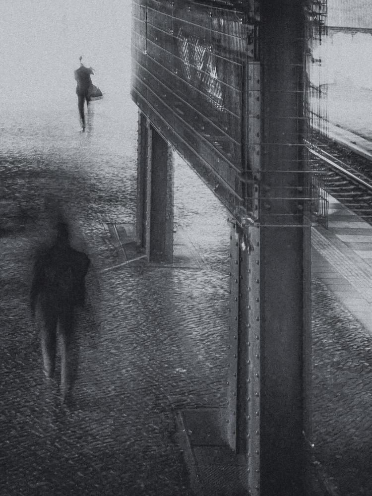 A piece of fine art art photography titled Platform 4 by Klaus Lenzen
