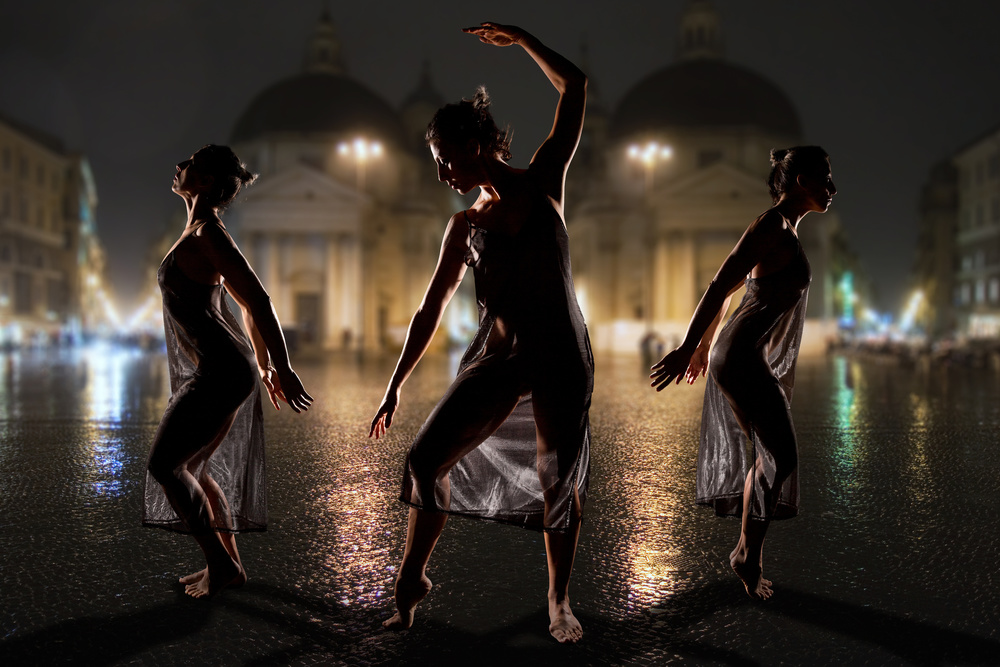 A piece of fine art art photography titled Dancing In the Street by Tom Baetsen - xlix.nl