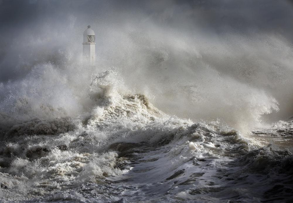 Mayhem at the lighthouse