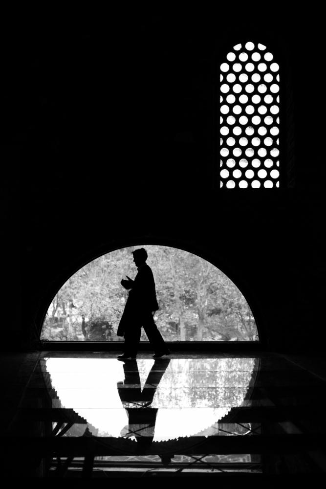A piece of fine art art photography titled Step by Ramiz Şahin