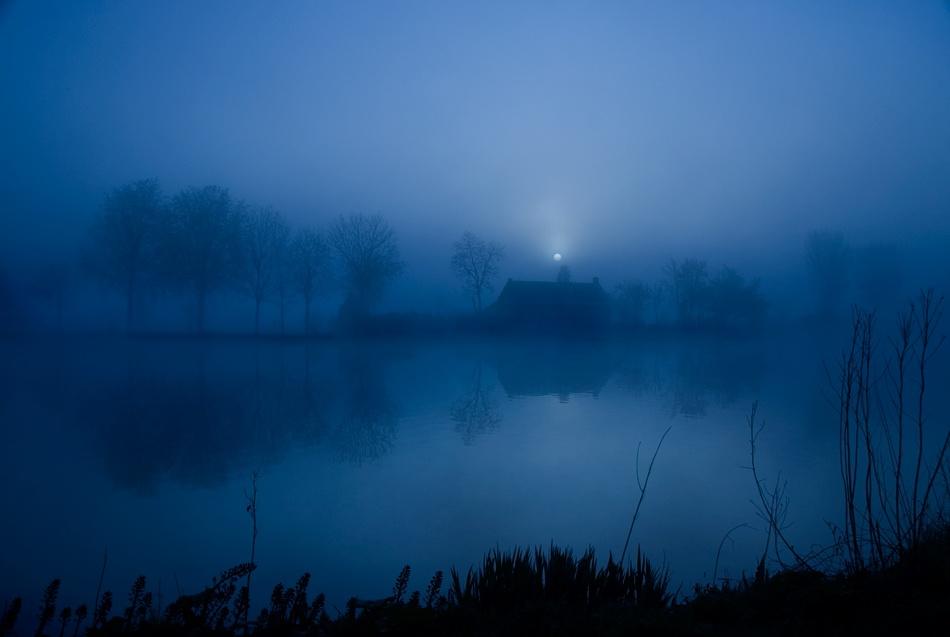 A piece of fine art art photography titled Between 7 and 8am by Rolan A. Diapari