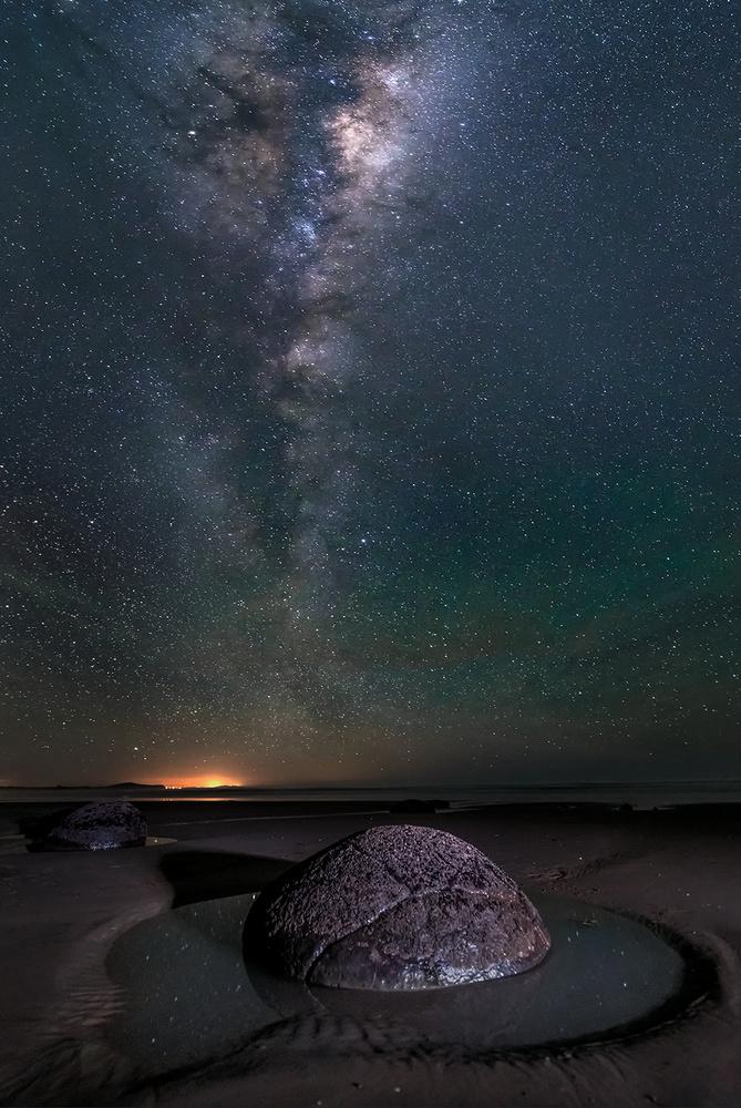 A piece of fine art art photography titled Big Eye Looking Up Sky by Hua Zhu