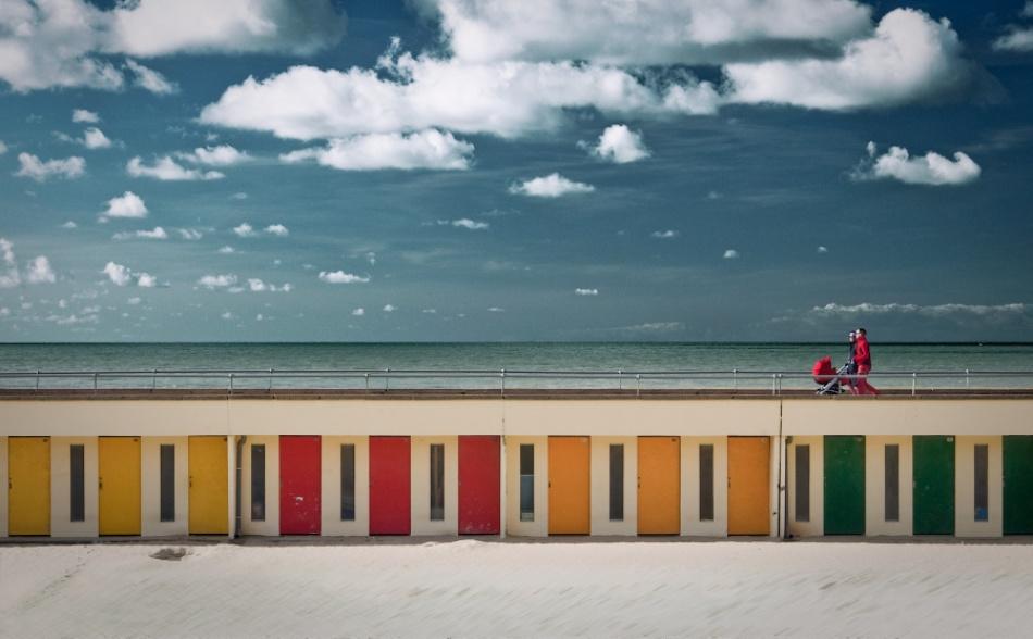 A piece of fine art art photography titled Easy Walker by Stephan Sünderkamp