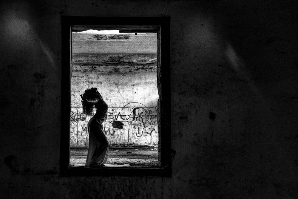 A piece of fine art art photography titled N/t by Paulo Medeiros