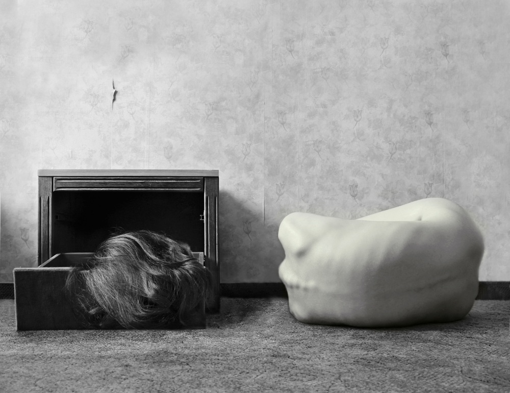 A piece of fine art art photography titled Dont' Lose Your Head by Barbara Stéger