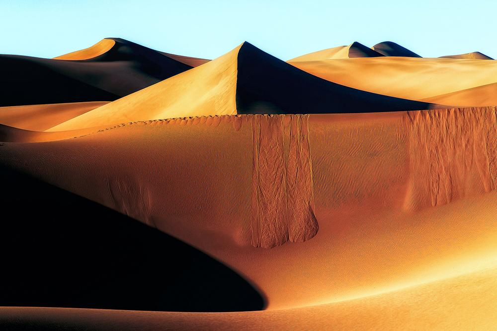 A piece of fine art art photography titled Footstep by Amir Hossein Kamali | امیرحسین کمالی