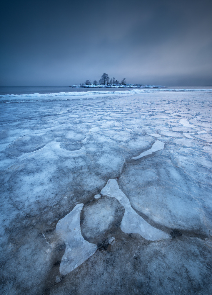 A piece of fine art art photography titled Ice Cold Crazy by Claes Thorberntsson