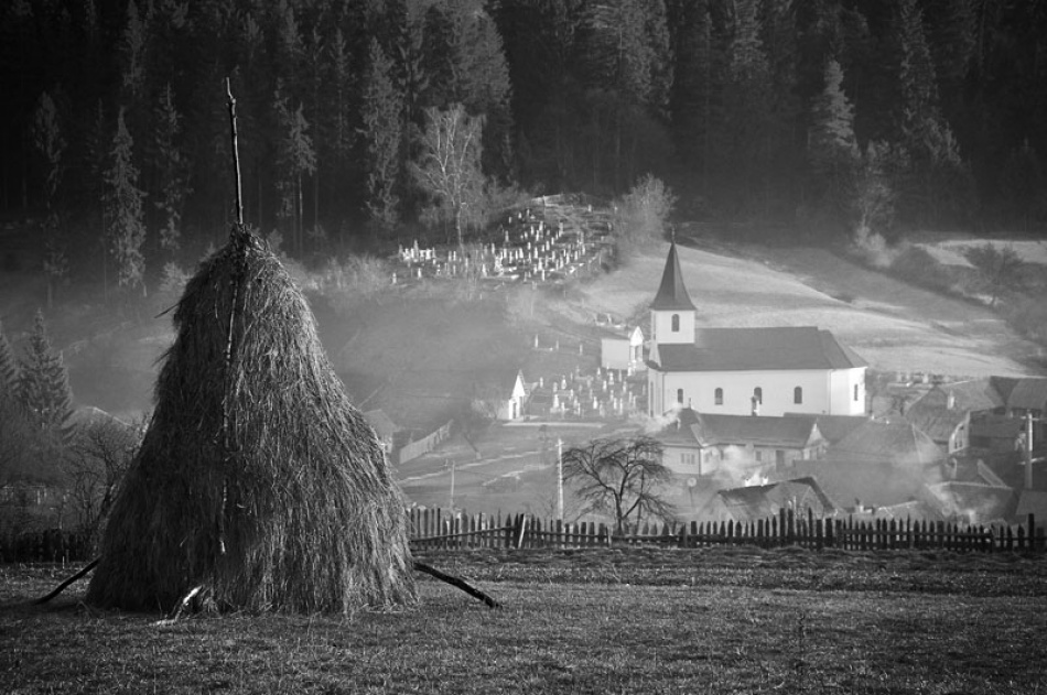 A piece of fine art art photography titled Privind Dimineata (watching the Morning) by Vlad Dumitrescu