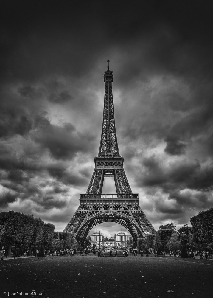 View this piece of fine art photography titled Eiffel by Olavo Azevedo