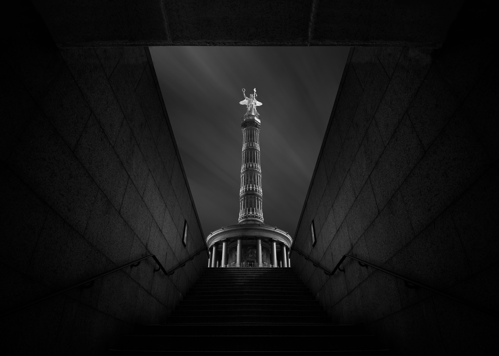 A piece of fine art art photography titled Berlin Victory Column by Nadav Jonas