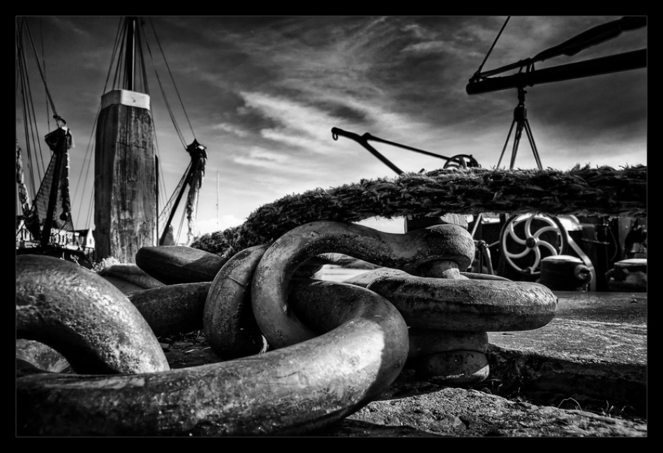 A piece of fine art art photography titled Ships'n Chains by Klaus Ratzer