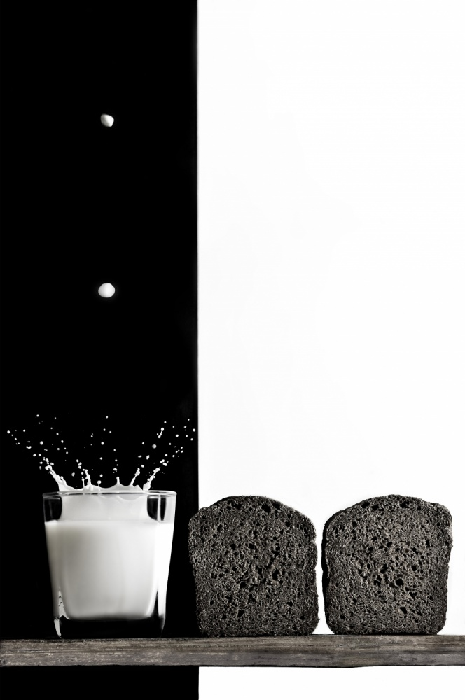 A piece of fine art art photography titled Black and White by Vladimir Poleschuk