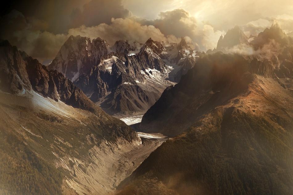 A piece of fine art art photography titled Mont Blanc Massiv by Nicolas Schumacher