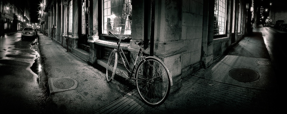 A piece of fine art art photography titled Vélo by Mario Jean