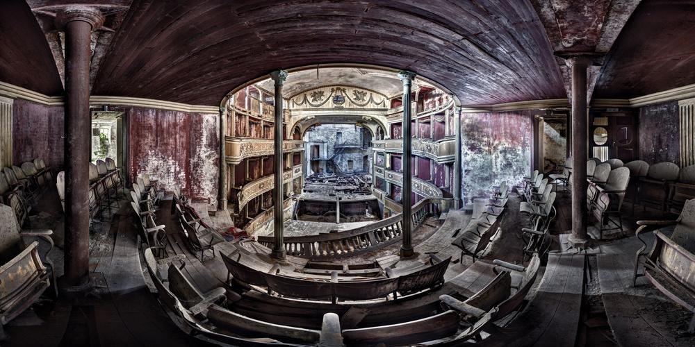 Theater M