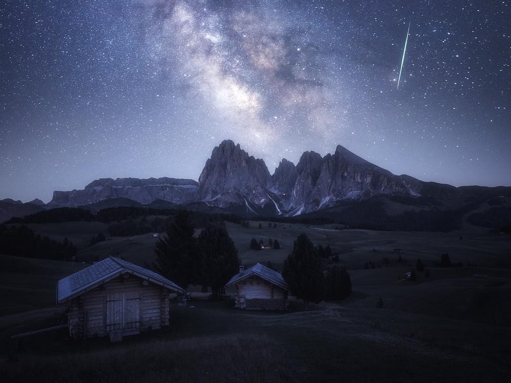 A piece of fine art art photography titled Starry Night by Daniel Fleischhacker