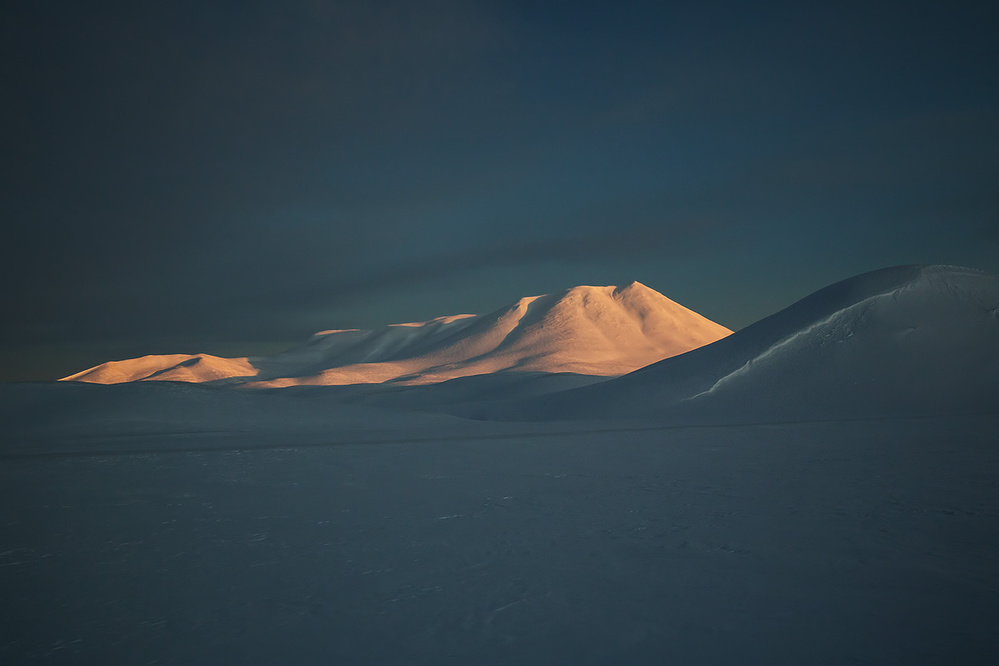 A piece of fine art art photography titled Floating Mountain by Alex Saberi