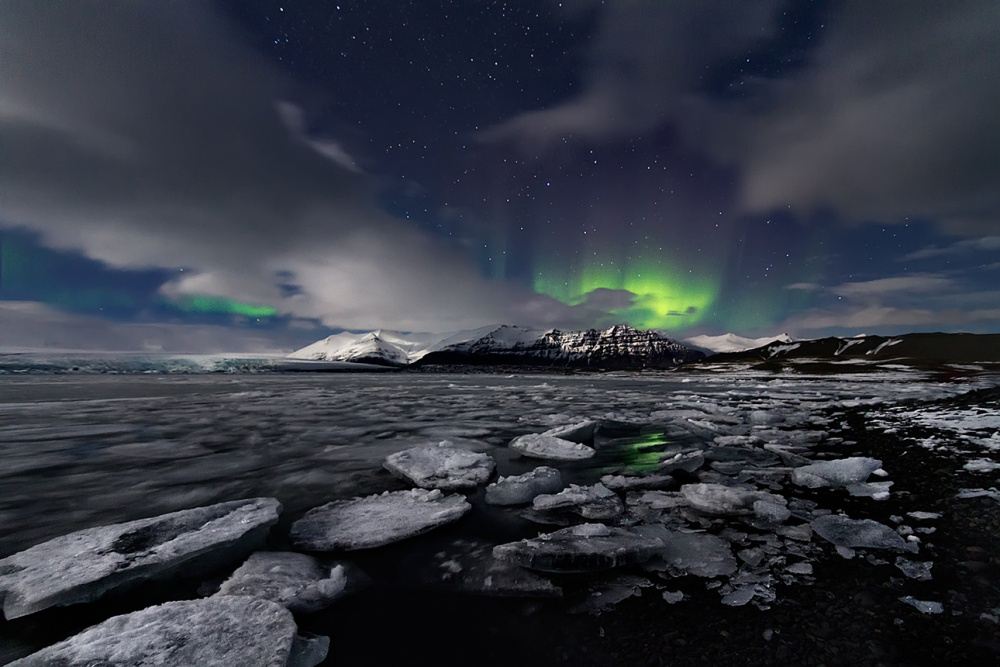 A piece of fine art art photography titled Northern Lights by Iñigo Barandiaran