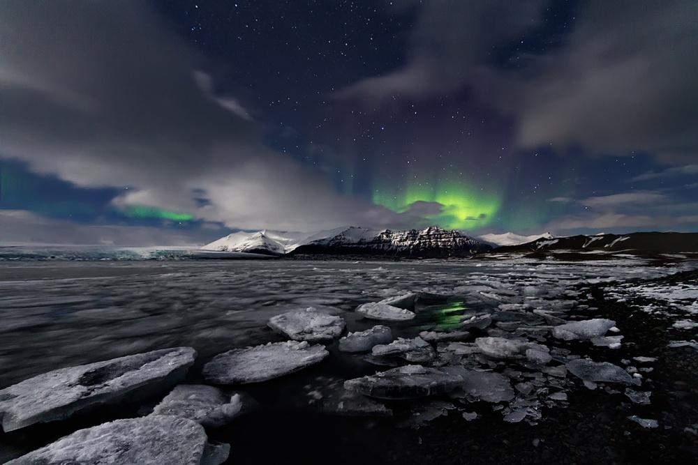 A piece of fine art art photography titled Northern Lights by Iñigo Barandiaran