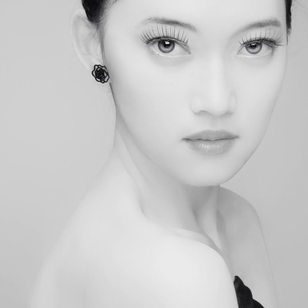 A piece of fine art art photography titled Si Yu by azalaka