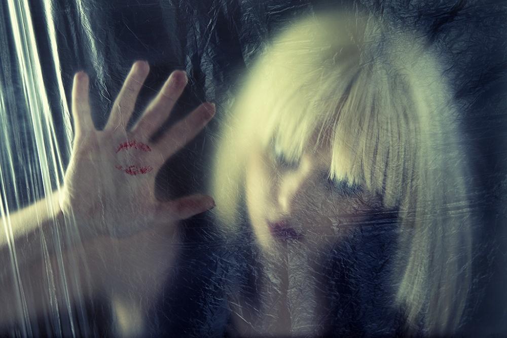 A piece of fine art art photography titled Kiss by Matteo Groppi