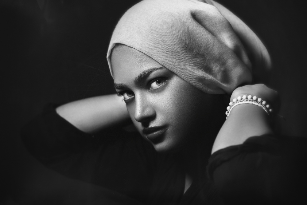 A piece of fine art art photography titled Soror 2 by Amin Hamidnezhad