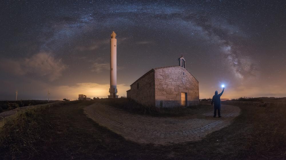 A piece of fine art art photography titled Battle of Lights by Julio Castro Pardo