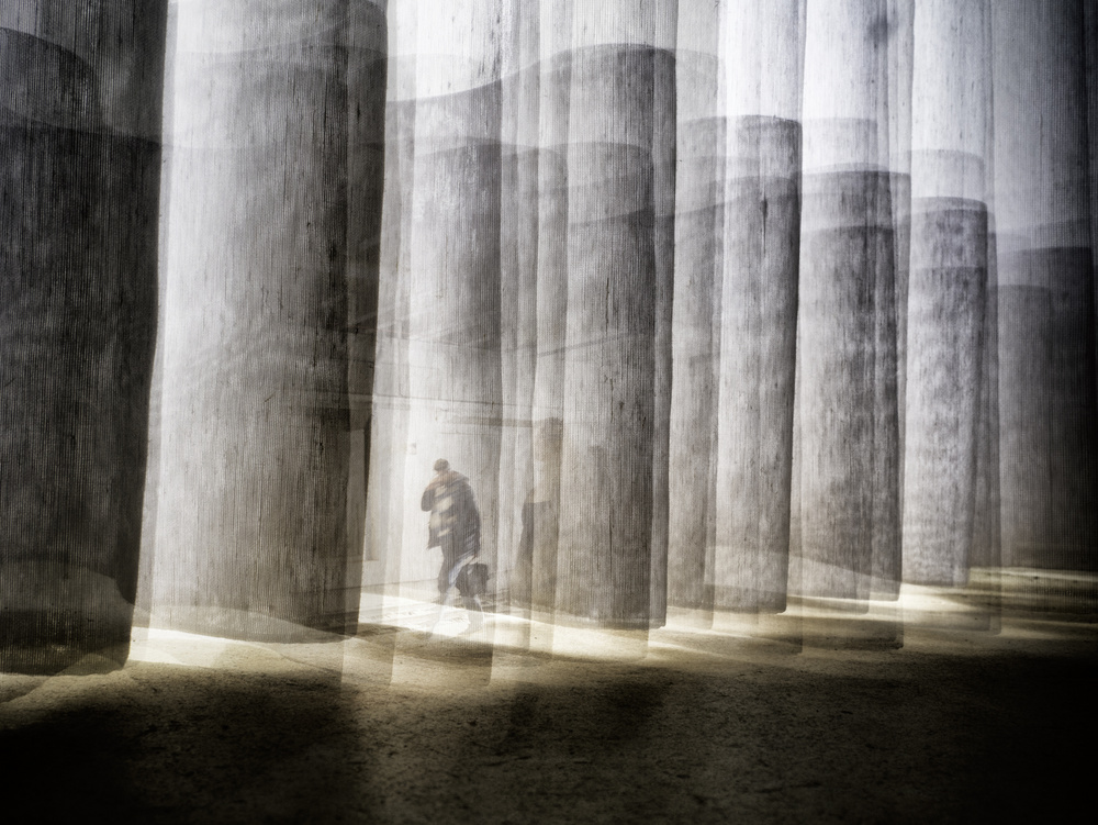 A piece of fine art art photography titled Scaling Game by Thomas Vanoost